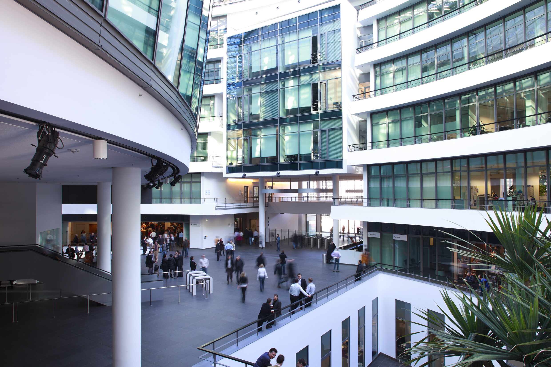 5.000 Arbeitsplätze werden in dem neuen Gebäudetrakt untergebracht, der bis 2019 fertiggestellt sein wird. (Foto: BMW Group)