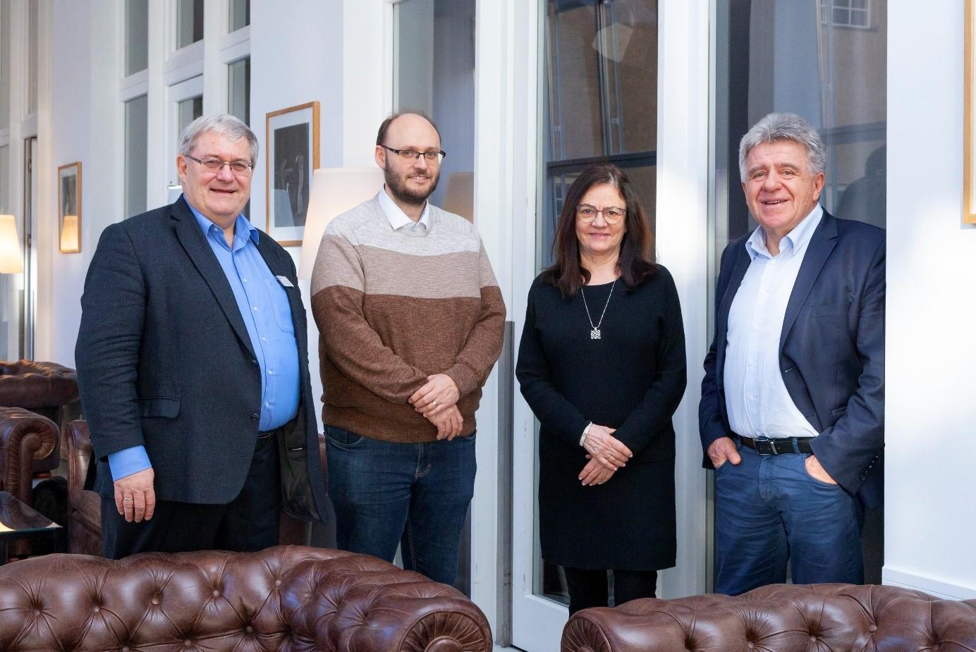 Členové poroty Univ.-Prof. Dr.-Ing. Rolf Breitenbücher; doc. Ing. Karel Dvořák, Ph.D.; prof. dr hab. inż. Maria Kaszyńska a prof. dr hab. inż. Jan Deja (zleva doprava) (Fotografie: CEMEX Deutschland AG / Mehdi Bahmed)